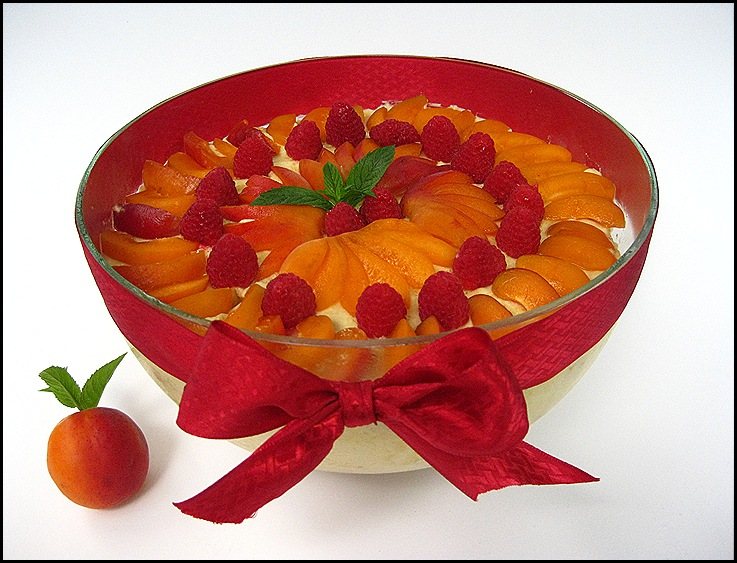 Apricot-Raspberry Trifle