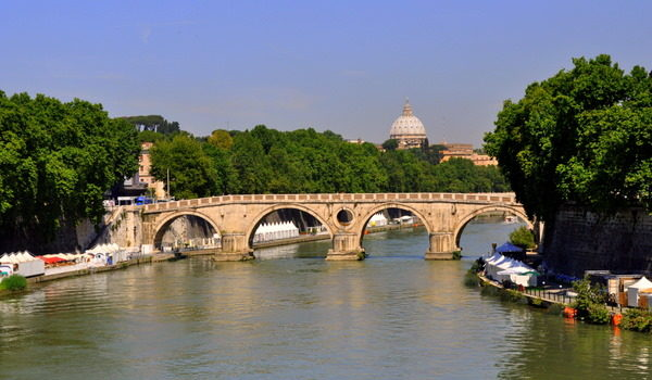 Twenty Reasons To Fall In Love With Rome
