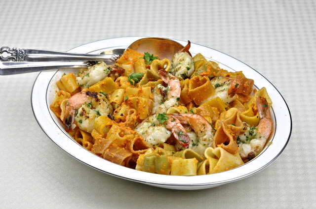 Pasta With Shrimp And Romesco Sauce