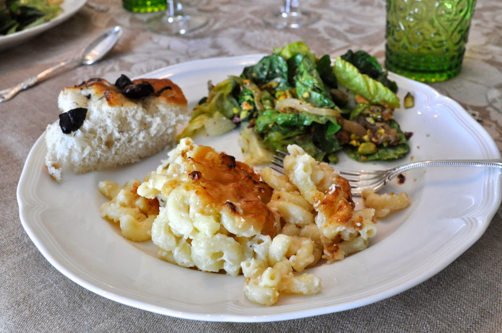 Foodie Book Group Mac N' Cheese