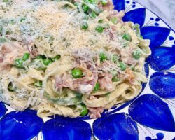Paglia E Fieno With Prosciutto, Peas And Parmigiano Cheese
